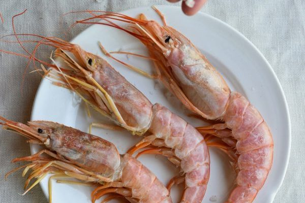 Giant Salt-Roasted Prawns